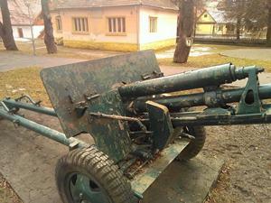 Renovácia starej bojovej techniky10